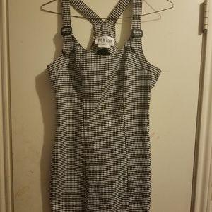 Dresses & Skirts - Black and white gingham dress
